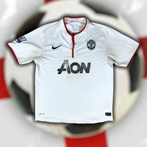 Manchester United Nike Jersey (054272246) Size: S